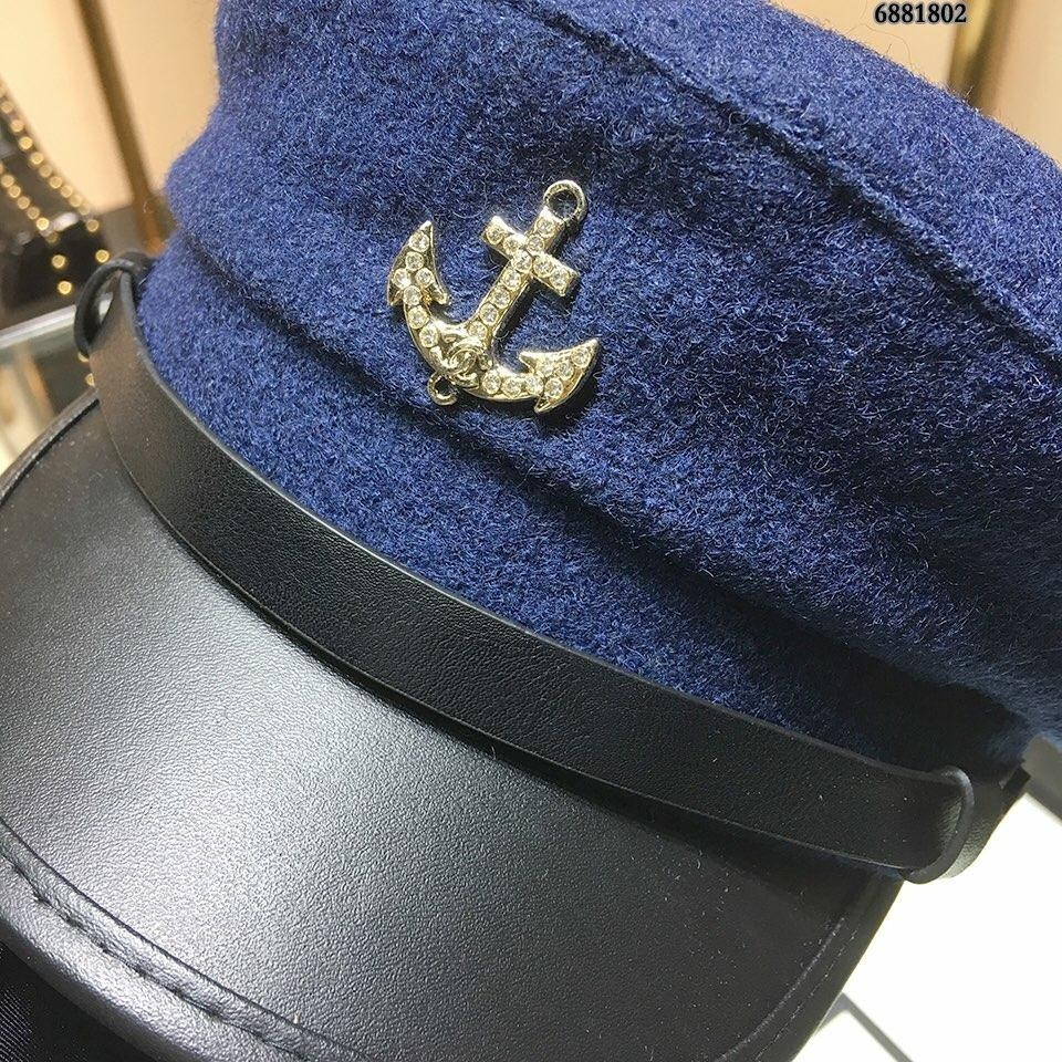 High End Women Men Cap Ladies Hats Counter Leather cap beret With Box