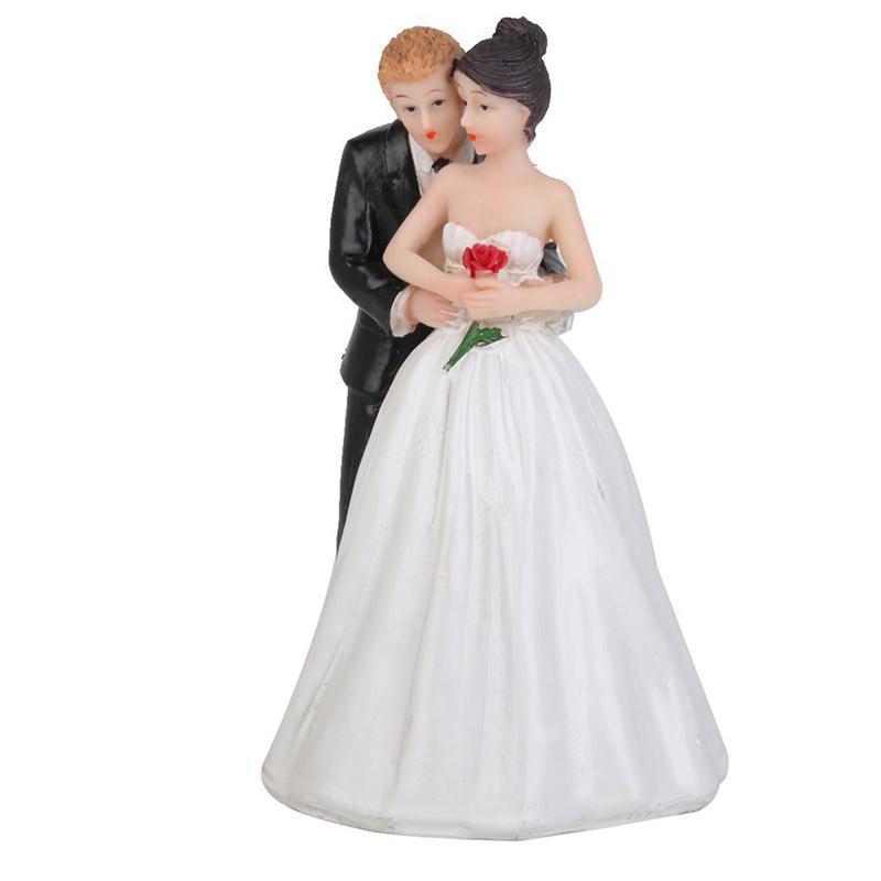 Romantic Figurine Bride Groom Hug Fanny Bride Groom Figurine Wedding Cake Toppers Resin Decor Lover Couples Gift