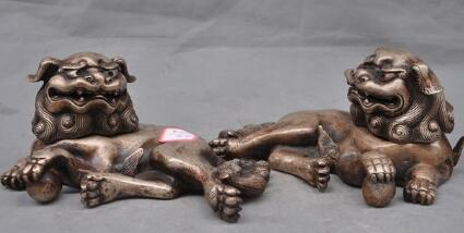 A PAIR CHINESE CARVED SILVER DRAGON FOO DOGS STATUE