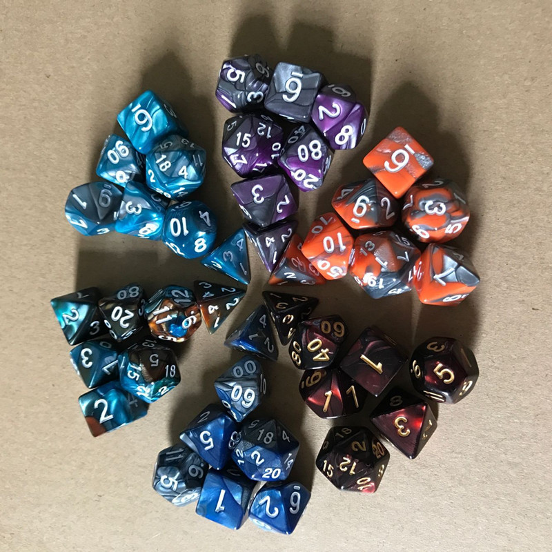Dadi il tempo libero 7 pezzi / set Mix di colori magici viola Set di dadi con effetto Nebulosa Gioco di RPG Dadi Brinquedos Dados Juguetes Dungeons and Dragons