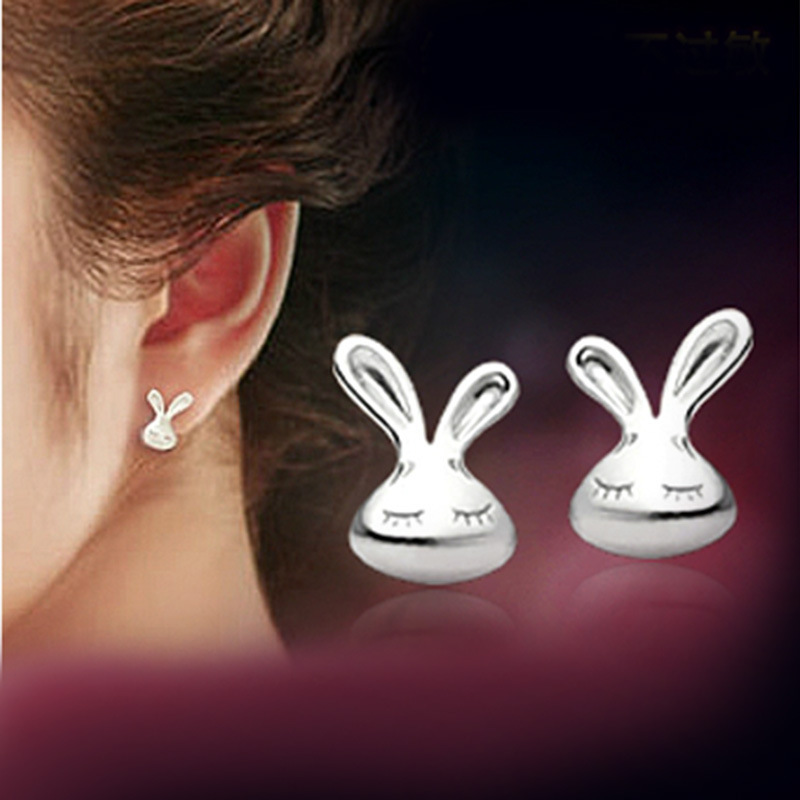 Heat New Pattern Temperament Plate With Silver Ear Nail Small White Rabbit You Ear Nail Woman Ear Clip Earrings Woman Jewelry
