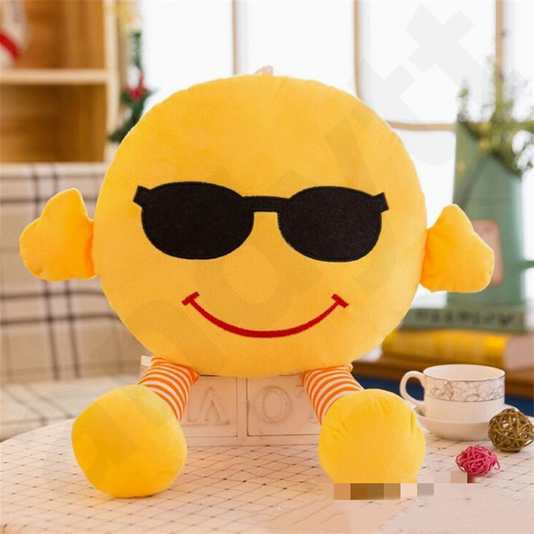 New Style Originality Facial Decorative Pillows Expression Pillow With Legs Lovely Emoji Plush Toy Doll Cushion Gift Wholesale T7G006