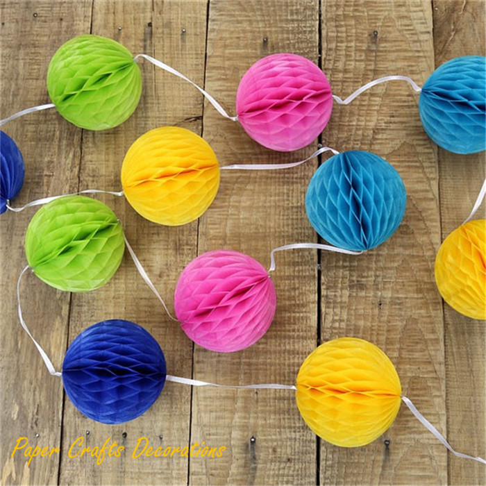 honeycomb-ball-garland-in-mixed-colours_2