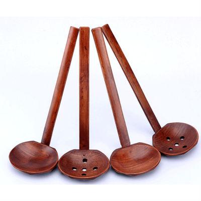 Nuevo diseño de moda Vajilla de madera Cuchara de sopa de tortuga Ramen japonés Colador de mango largo de madera Cuchara de olla práctica y duradera