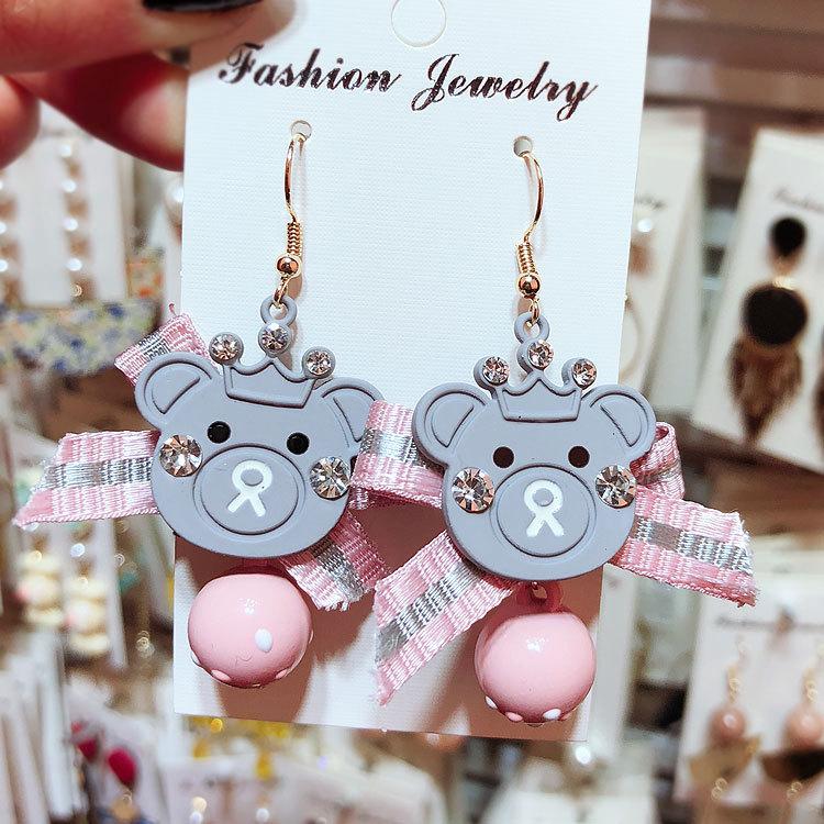 Korean Lovely Bow Tie Bead Bead Crown Bear Bear Earrings CE392