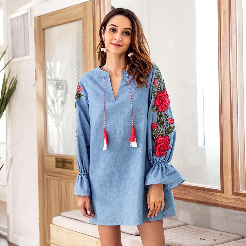 Vestido de las mujeres del diseñador del otoño de manga larga de mezclilla azul con cuello en v bordado linterna suelta vestidos camisa femenina
