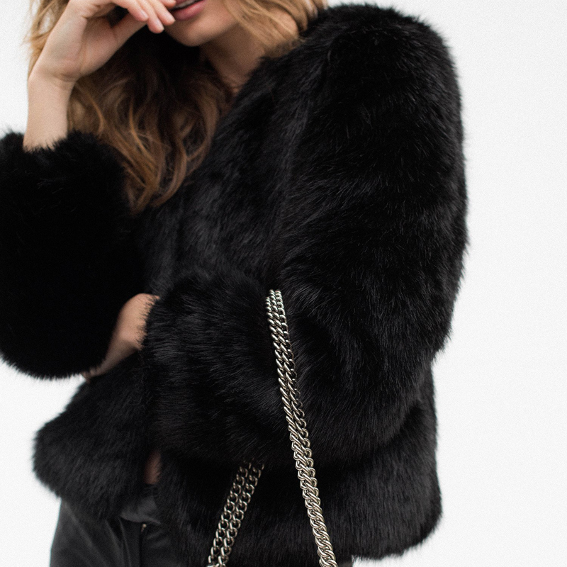 Style-Addict--Aki-Faux-Fur-Jacket-6
