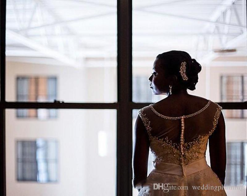 2018 New Elegant Short Bridal Wedding Dresses Crystals Beaded Sheer Scoop Neck Cap Sleeves Appliques Lace Gowns Xmas Plus Size Bidal Dress