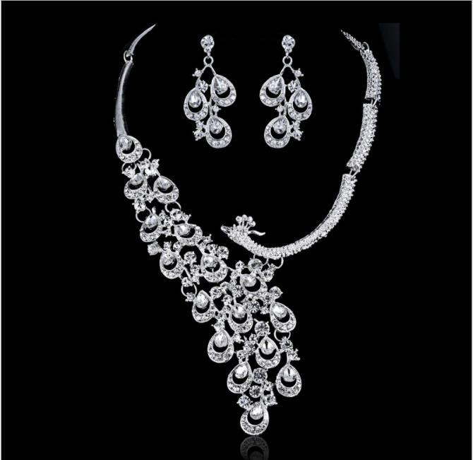 ZHAOSHUNAN Ensemble de bijoux Cristal Ange Collier Court Collier Boucle doreille Ensemble De Bijoux De Mariage De Mari/ée Set Accessoires Femme