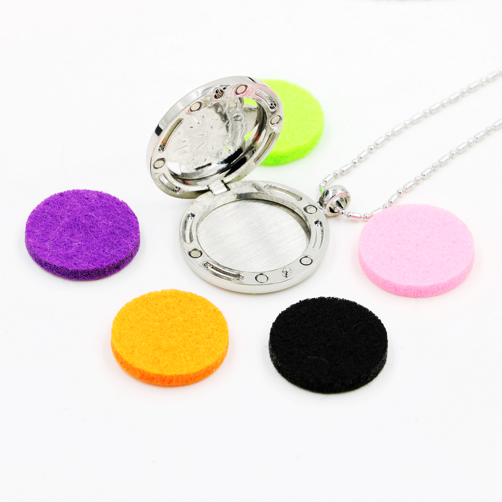 Hot Selling Essential Oil Diffuser Necklace Aromatherapy Diffuser Locket Pendant Set with felt pads and chain