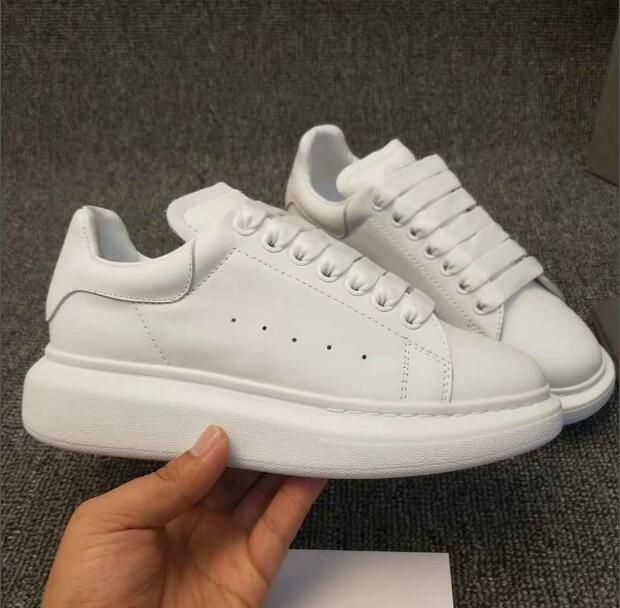 Designer de luxe Confort Casual Chaussures en cuir Hommes Tout en cuir Marche Sneaker Personnalité Dresser Robe Parti Chaussures Daily