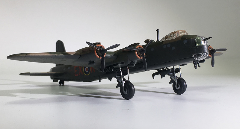 IXO World War II Military Alloy Sterling MK III Bomber Model 1:144 Plastic Decoration Toy Gift Collection
