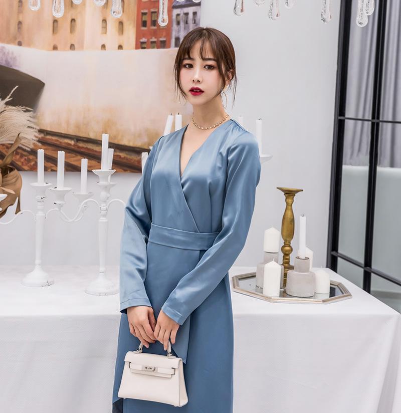 2018 Платья новых женщин женщин Асимметричная сложенная длинная юбка  Глубокий V-образный вырез Холтер с ... ebf606ba920
