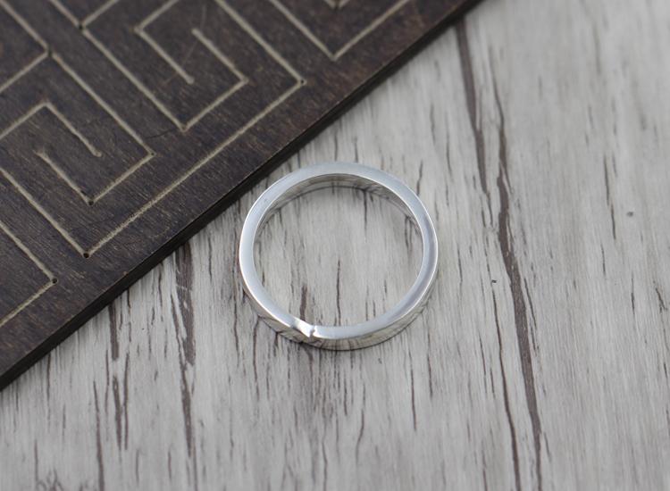 S925 Sterling Silber Schlüsselring Retro Persönlichkeit Runde einzigartige Tasche Taste Thai Silber 925 schaffen Punk Schlüsselbund Senden Liebhaber Geschenk