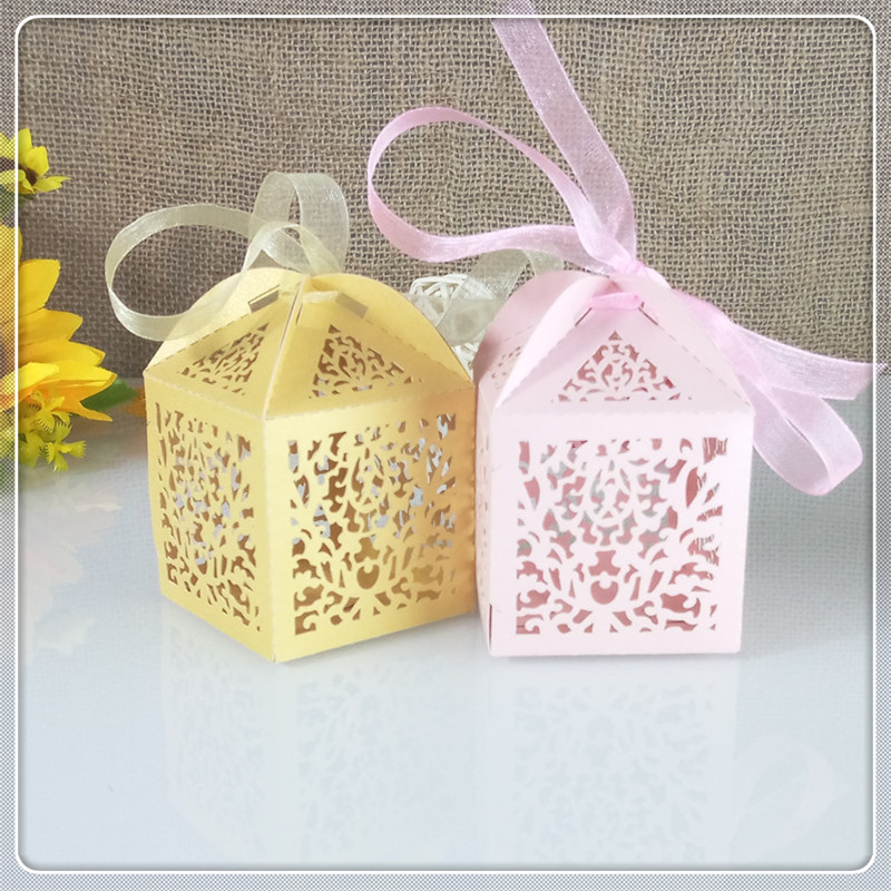 openwork engraved lace flower design candy box Christmas gift box for guest wedding gift party decoration 5ZT24