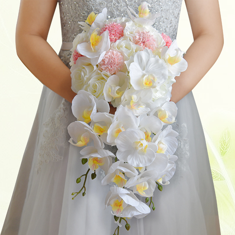 Bouquet Cascata Sposa.Acquista 2018 Cascata Fiori Rossi Da Sposa Bouquet Da Sposa