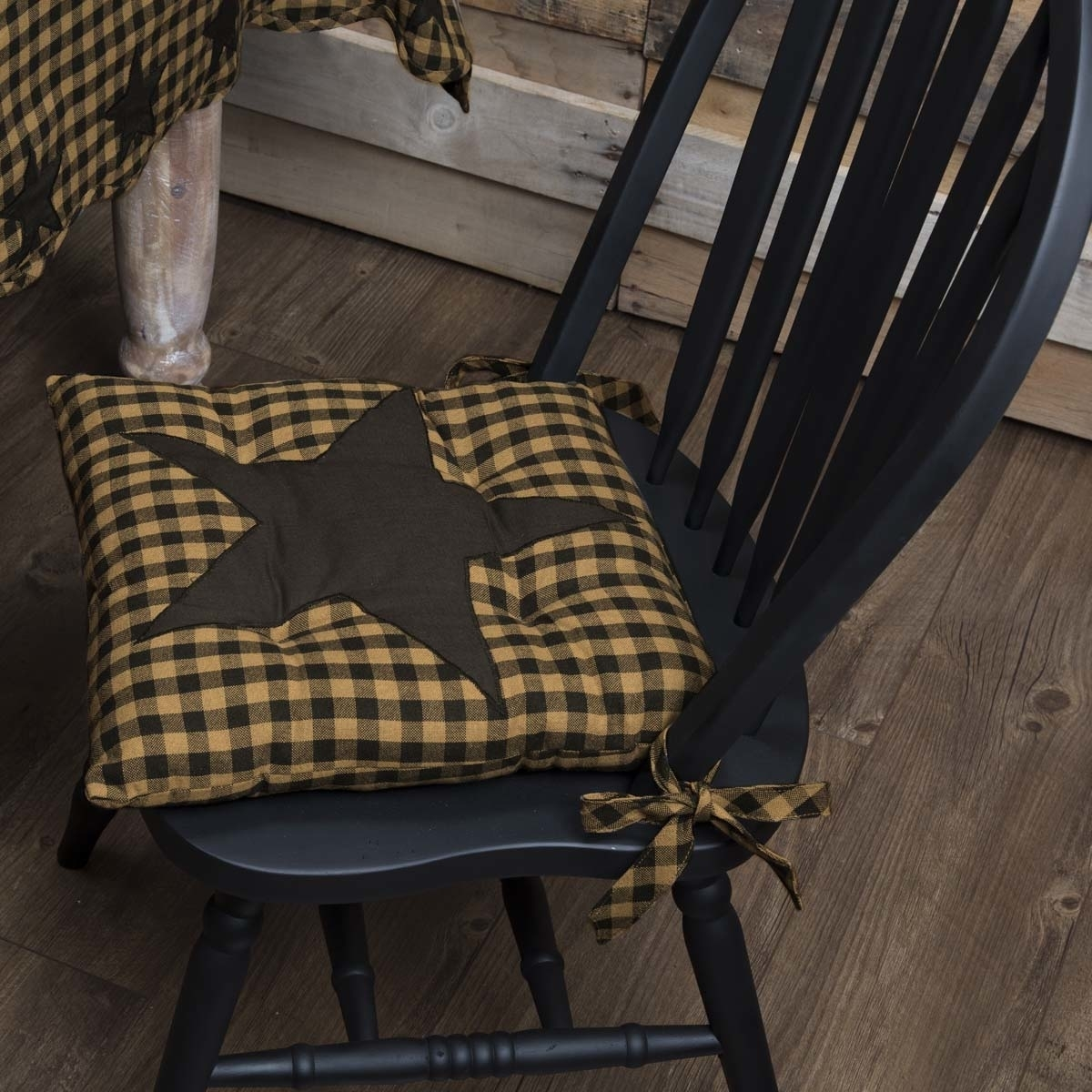 Primitive Tabletop & Kitchen Navy Star Chair Pad
