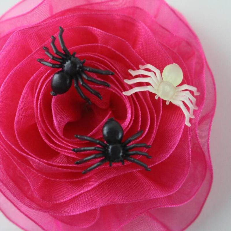 Halloween Decorative Spiders Small Black Plastic Fake Spider Prank Toys Haunted House Prop