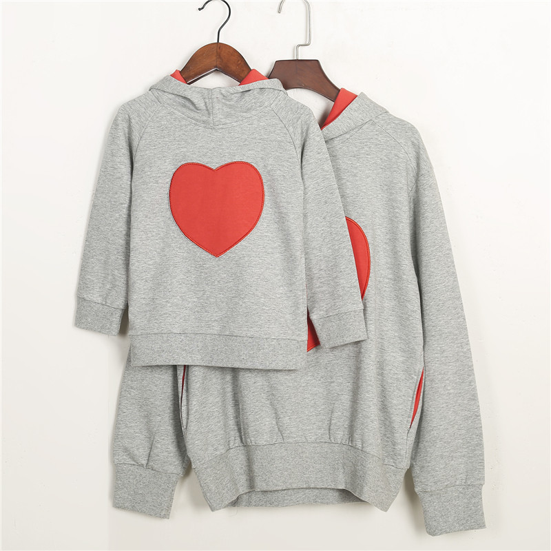 2019 New Arrival Stylish Couple Hoodie Christmas Family Matching Sweatshirts Women Kids Clothes Casual Full Sleeve Heart Hooded Wear