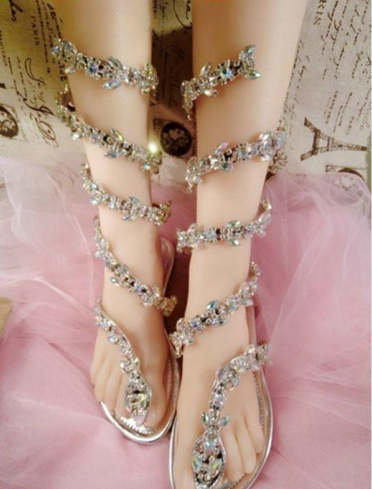 Satışa Yılan Şekli Ayakkabı Kadın Düz Sandalet Ile Shinning Rhinestones Moda Gladyatör Çevirme Özelleştirilmiş Kadınlar Fenty Slaytlar Çevirir