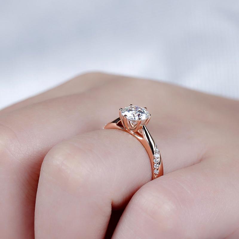 rose gold moissanite emgagement ring (6)