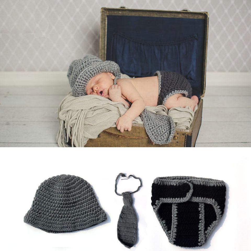 Crochet Gentleman Inspired Newborn Boys Accesorios de fotografía Sombrero de punto Corbata Pantalones Conjunto Niños bebés que vienen a casa Traje