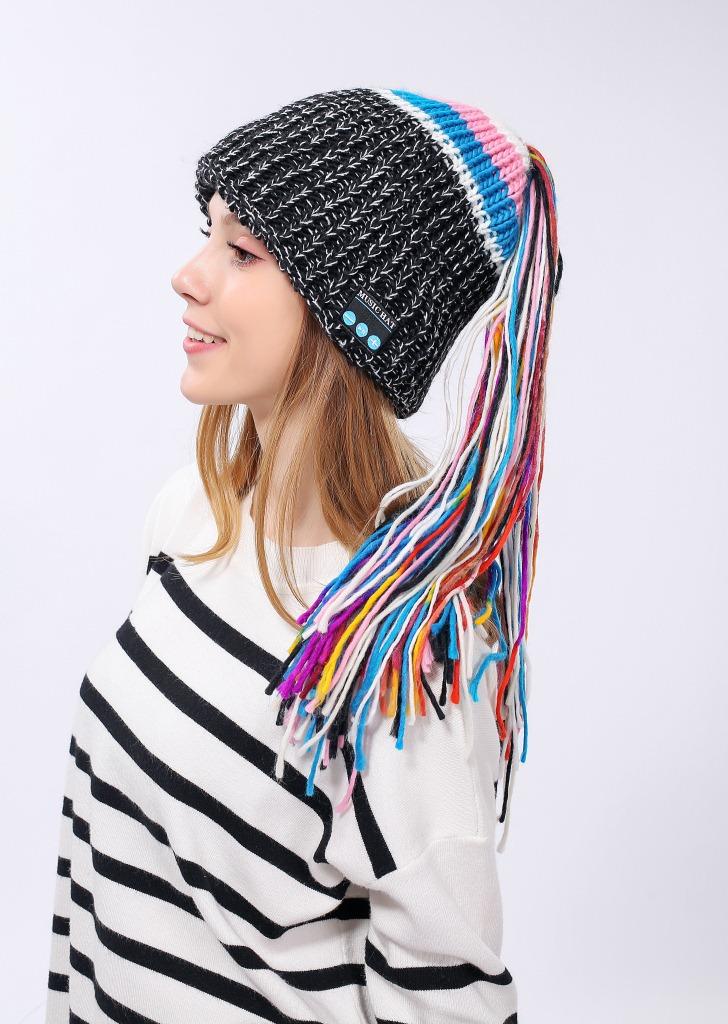 Wireless Bluetooth Smart Beanie Hat Musical Headphone Speaker Women Tassel Knitted Hat Microphone Hands Free Earphone Caps Warm MMA773
