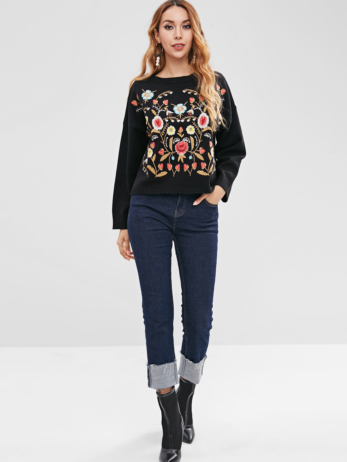 wholesale Flower Embroidery Crew Neck Sweater Loose Fit Sweater
