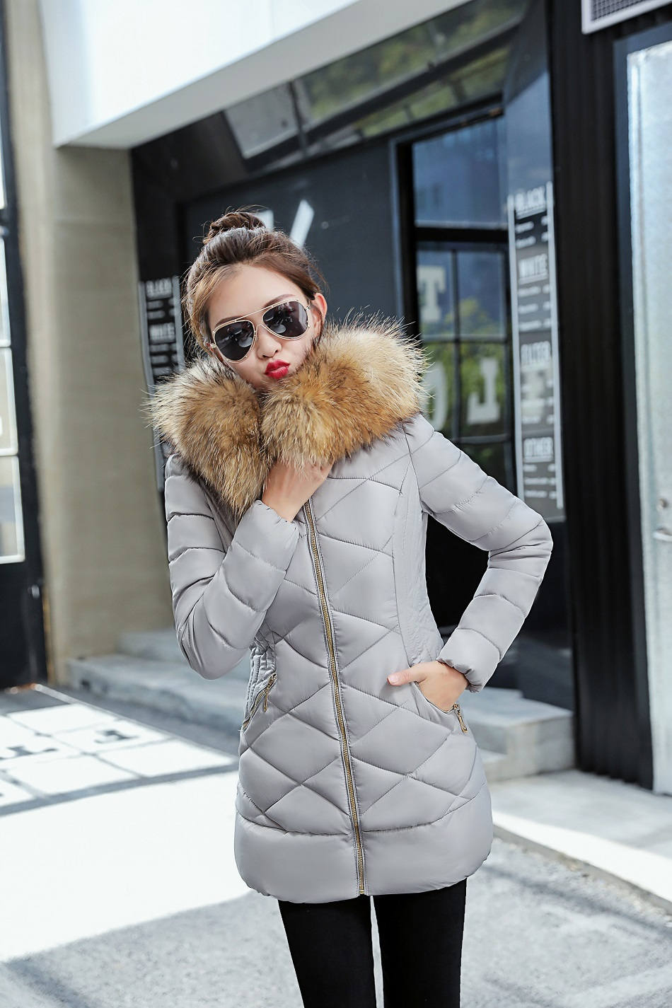 Großhandel Hot Winter Jacke Frauen 2018 Newwinter Frauen Jacke Weibliche Jacke Dicken Mantel Und Mantel Hochwertige Warme Frauen Winter Mäntel