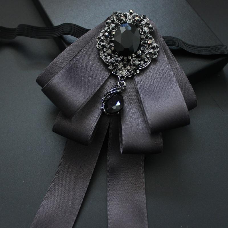 Boutique hecha a mano de moda gris oscuro accesorios vestido de seda de la boda de los hombres Vestido hecho a mano rendimiento coreano de la boda pajarita