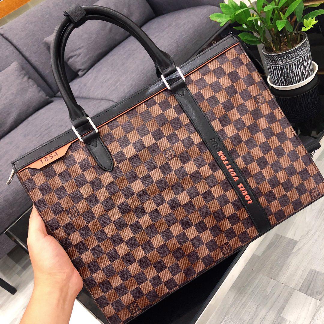 2020 Art und Weise Schulterbeutel Männer Geldbörsen Handtaschen aus echtem Leder Rucksack Schwarz Aktentasche Coach Brown Gitter 1220