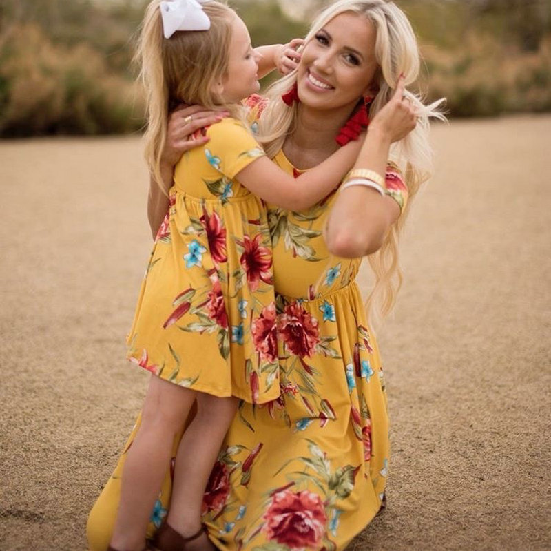 Mother Daughter Bohemian Maxi Dress Family Look Matching Outfits 2018 Short Sleeve Mommy and Me Floral Swimwear Dresses Clothes (12)