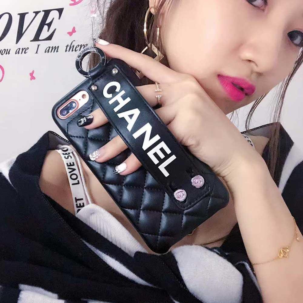 Luxury Phone Case for IPhone X Fashion Paris Show Classic Rhombus Lattice Wristband Leather Phone Back Cover for IPhone 6 6plus 7/8 7/8plus