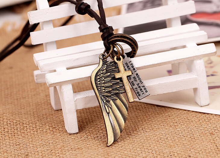 Creative Angel's Wing Necklace For Men And Women European Charms Designer Alloy Necklace Jewelry Trendy Designer Necklaces For Men Or Women