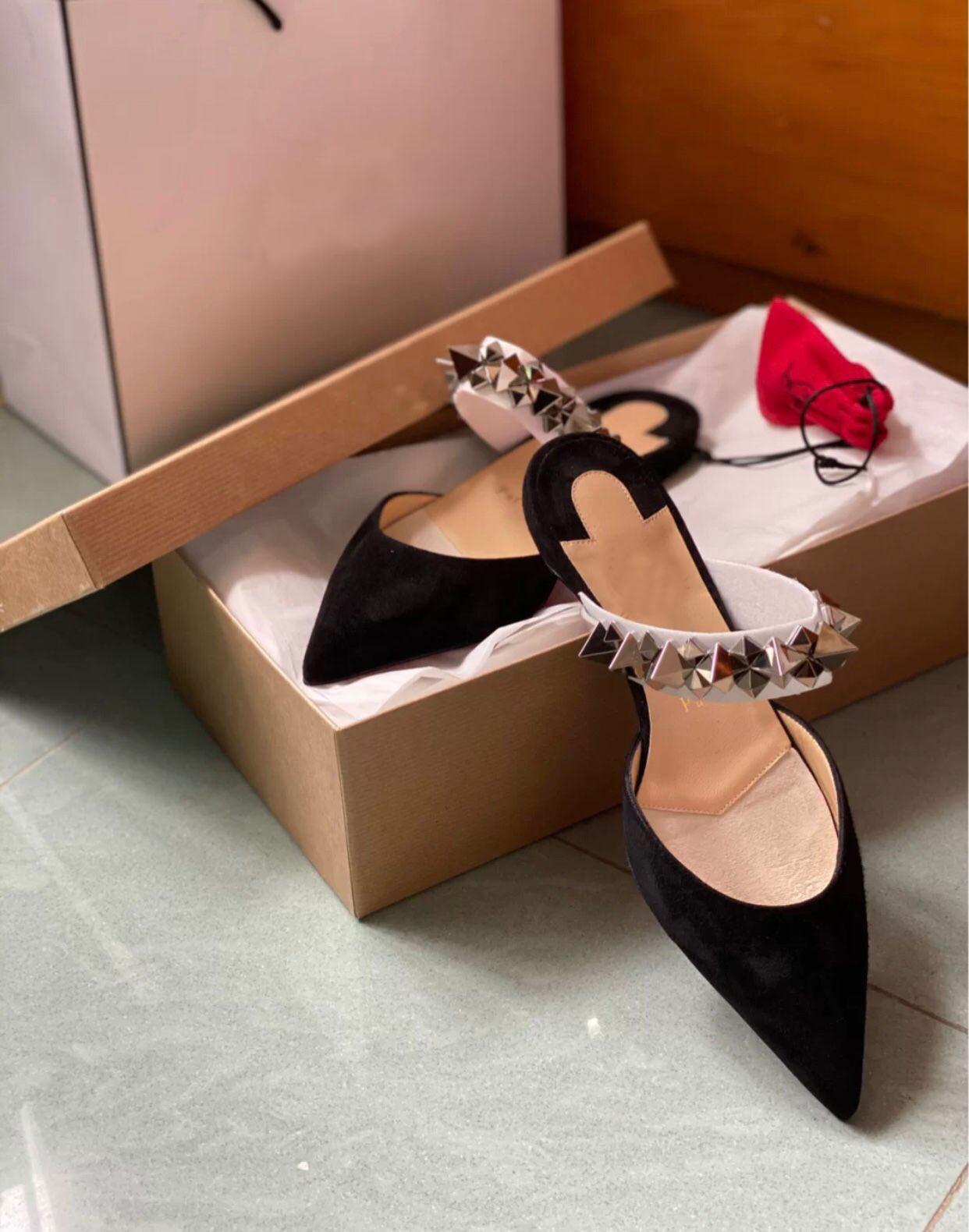 Summer Pointed Toe Women Red Bottom Planet Choc Flat Lady Sandals Slippers Studs Sandals Flats Luxury Designer Flip Flops Sandalias