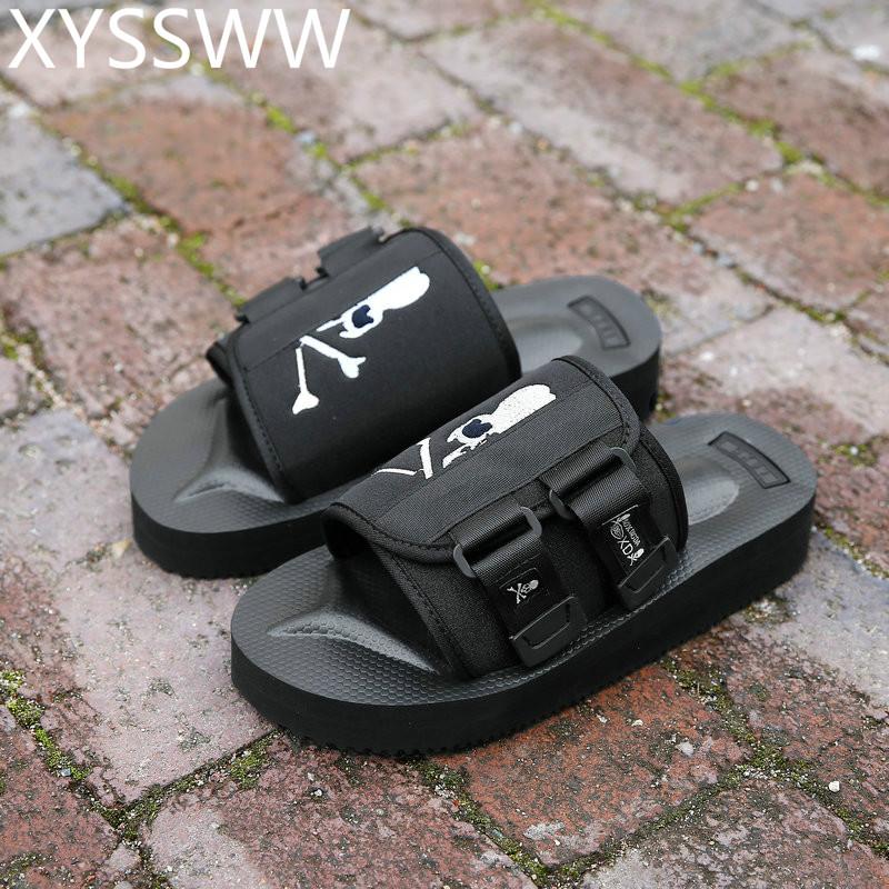 Men Slippers Summer Flat 2018 Summer Men Shoes Breathable Beach Slippers Wedge Black Flip Flops 35-45