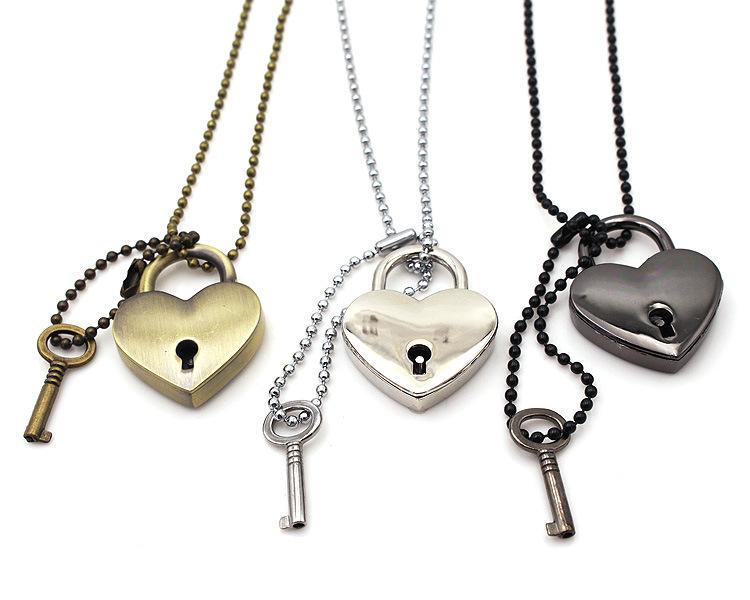 Pendentif Double Coeur Fléché Amour Love Saint Valentin Acier Inoxydable Argenté