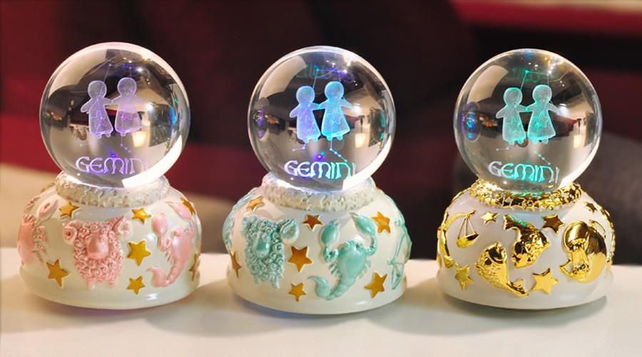 Crystal ball music box (11)