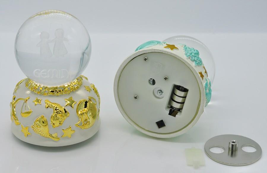 Crystal ball music box (6)