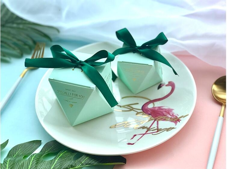 New PinkRedBule Diamond Shape Baby Shower Candy Boxes Wedding Favors and Gifts Boxes Birthday Party Decoration for Guests (14)