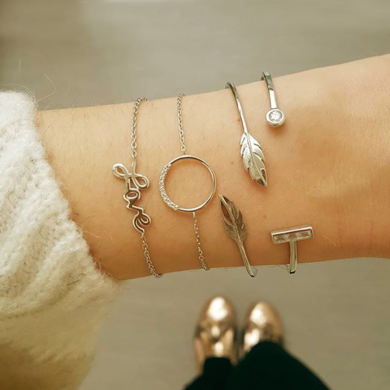 LOt Bangles Bracelets Female Leisure Magnet Buckle Accessories Bracelet Fashion Trend Bracelet Female Personality Creative Bracelet