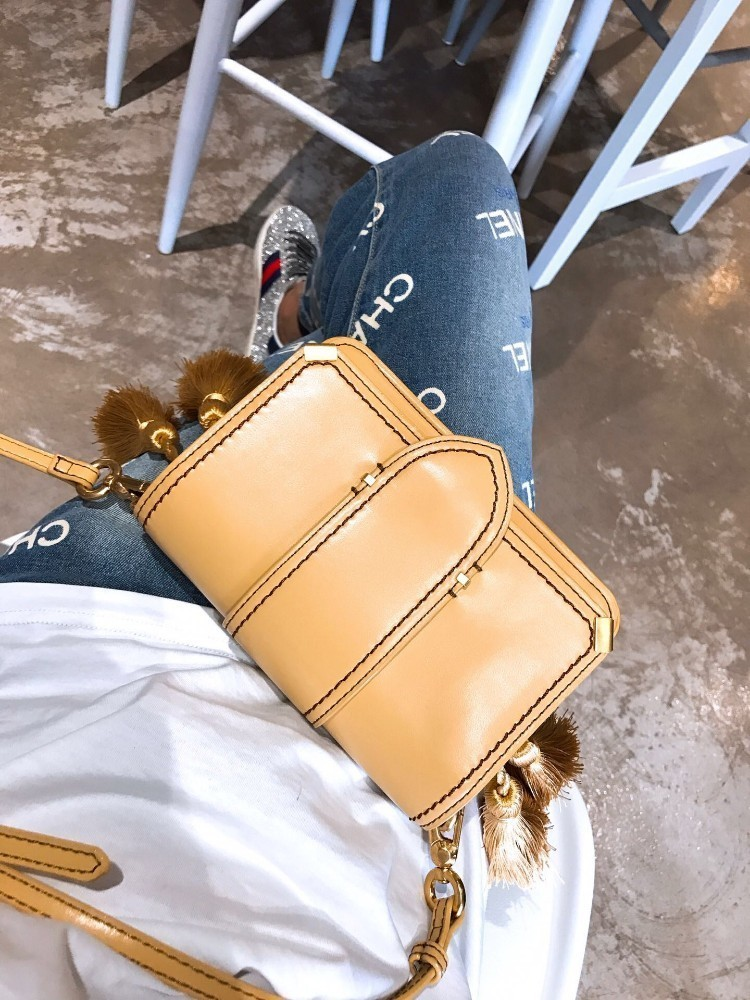 Women's bag 2019 trend classic small and exquisite envelope bag leather shoulder bag