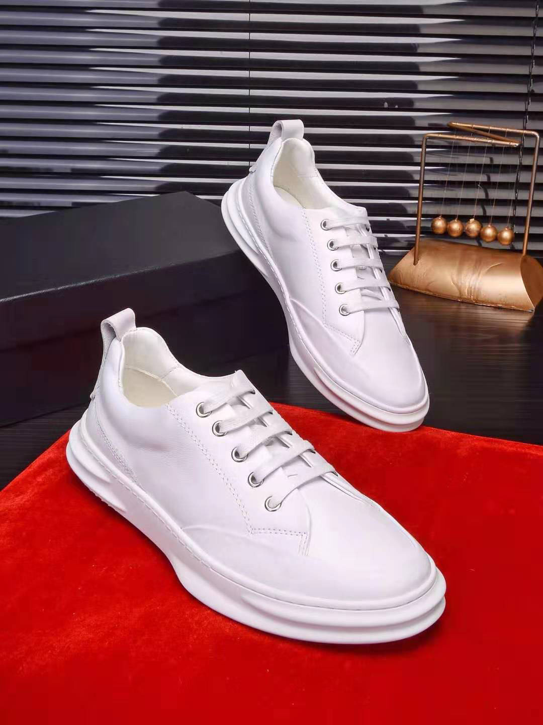Summer 2019 New Small White Shoes Trend Leather Thick Bottom Shoes Men s Breathable and Odor proof Fashion Leisure Shoes Sports Men s Trend