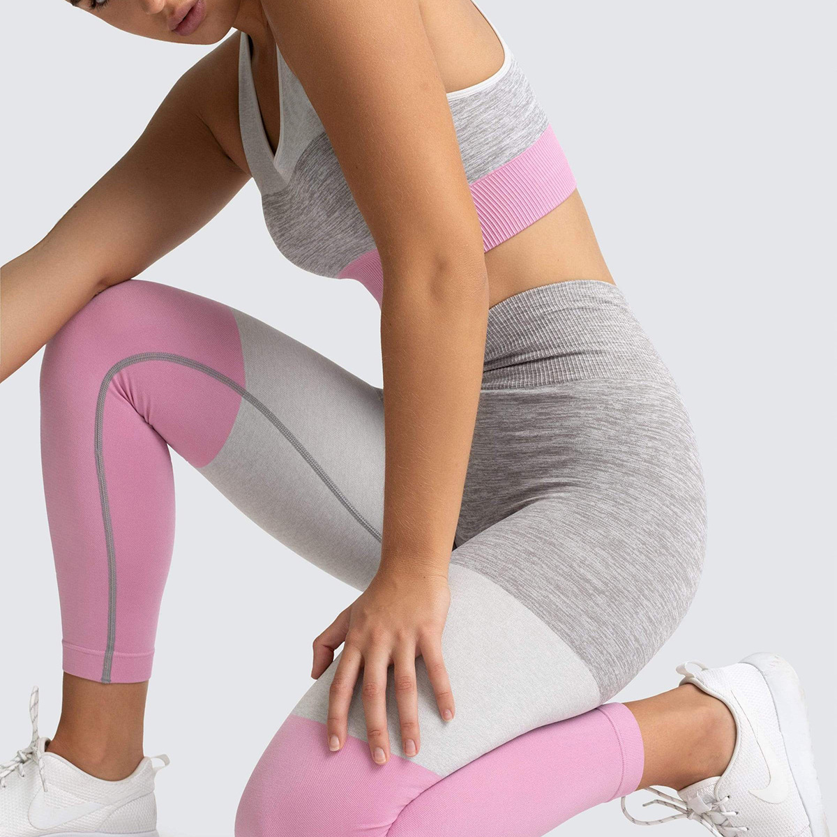 trinity-seamless-leggings-musk