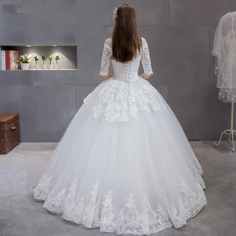 Scoop Neck Lace Tulle Ball Gown Wedding Dress With Half Sleeves 2017 Lace Up Wedding Gowns