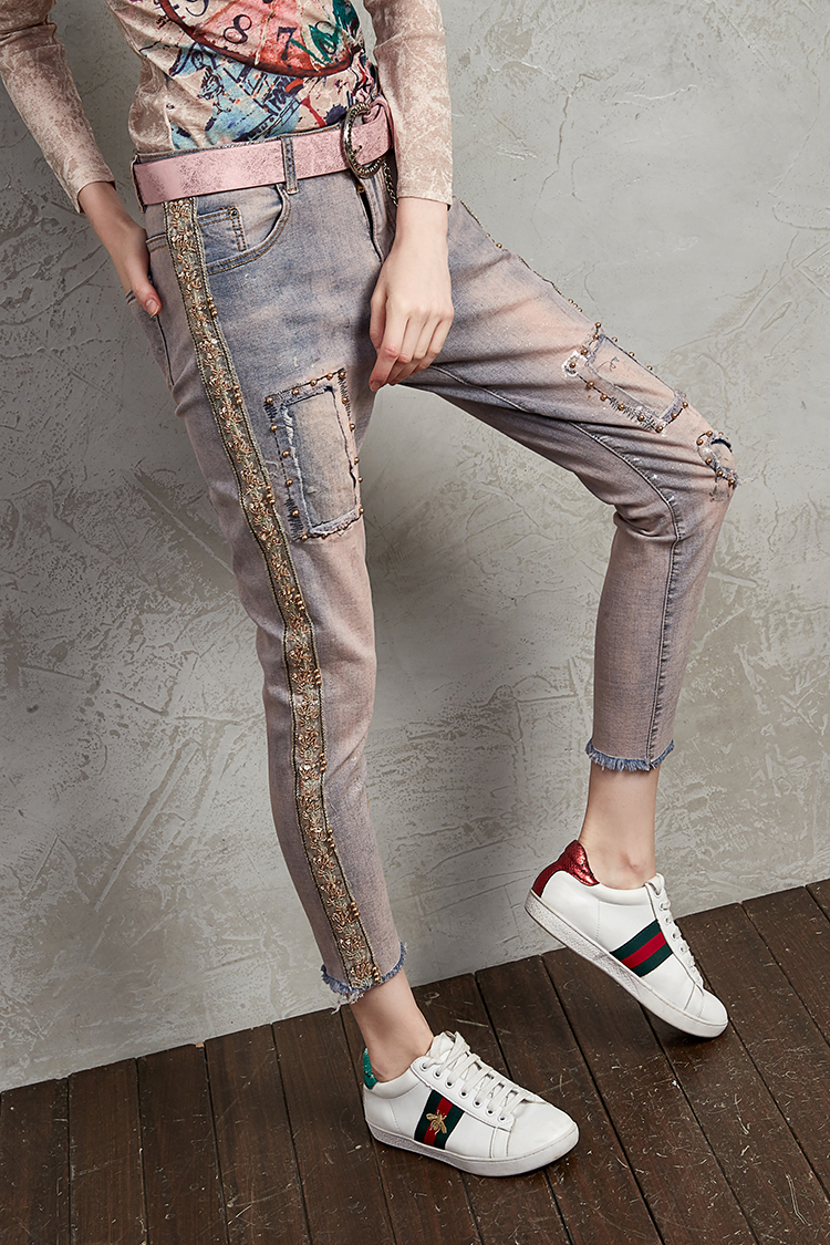Jeans Girls Embroidery Gold-stamped Elastic Slender Short-legged Trousers