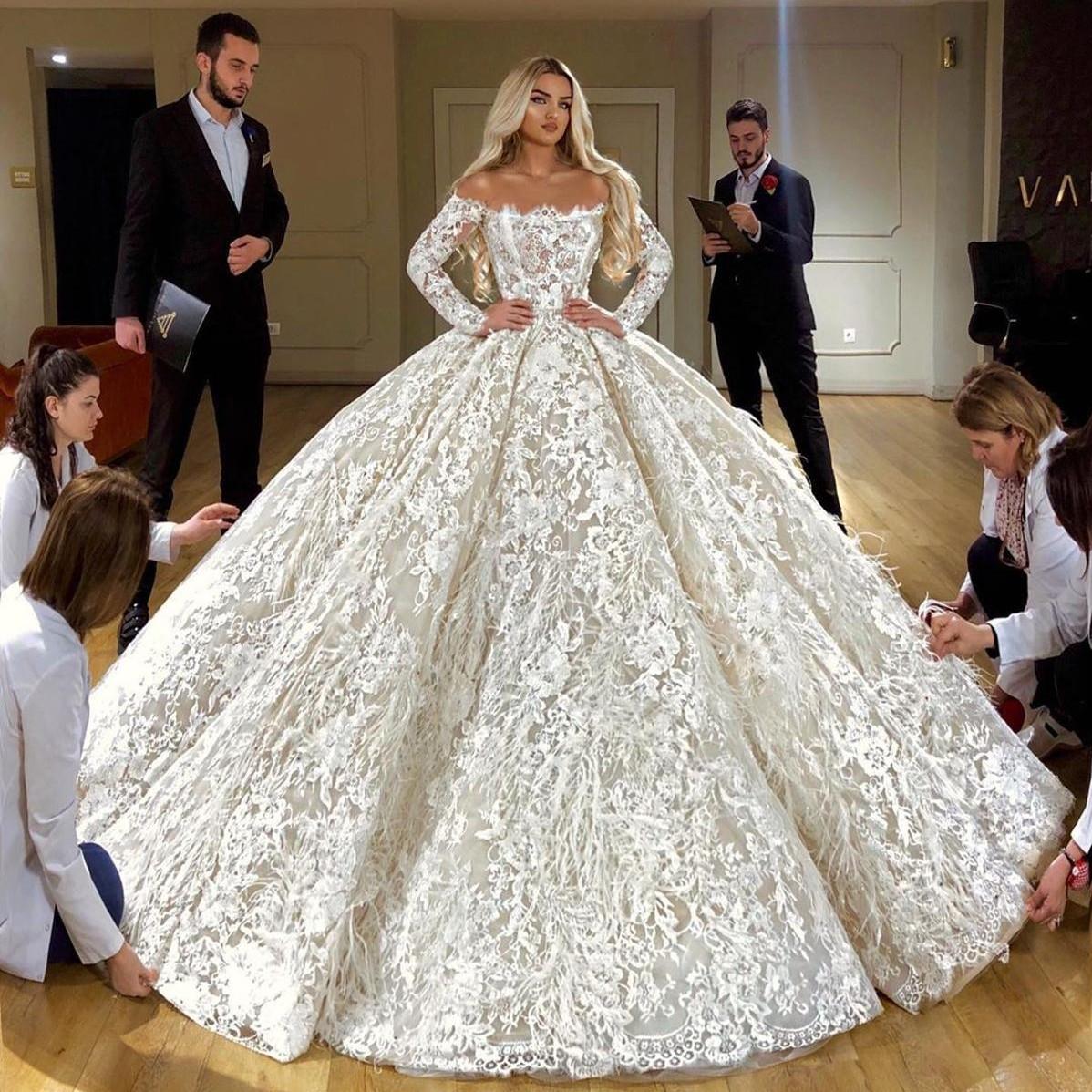 Luxus-Off-Schulter-volle Spitze Ballkleid Brautkleid 10 Vintage-Long  Sleeves Dubai Brautkleider mit Federn Plus Size Brautkleid
