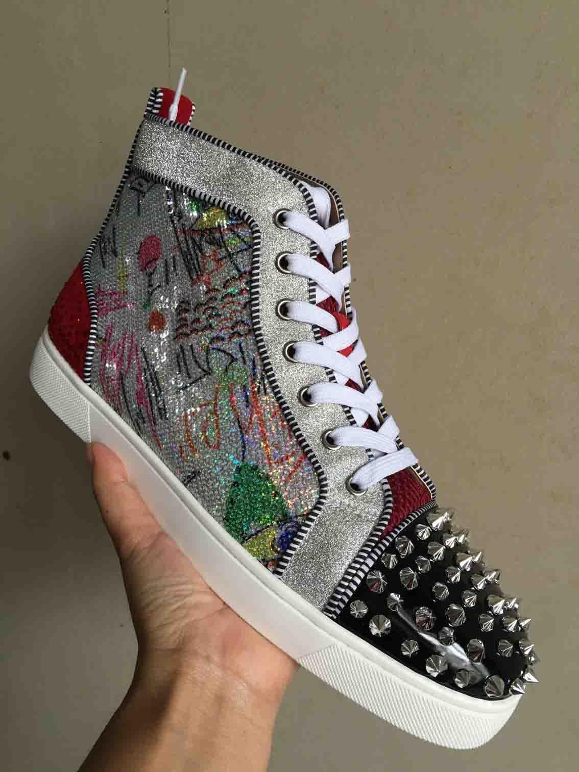 2019 High Top Red Bottom Spikes Sneakers Hommes Casual Chaussures De Luxe Imprimé Argent Sequin Sliver Pik No Limit Plots RARES et strass Graffiti