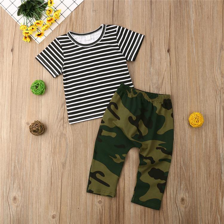 Estrella y rayas Army camouflage camiseta in adult