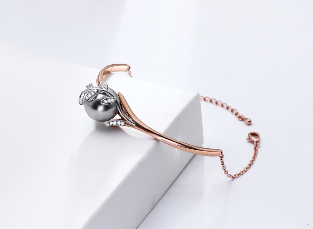 bangle with pearl (2)